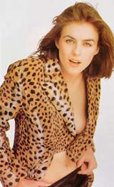 Liz Hurley  wearing leopard coat (98 kbytes) - Click to enlarge