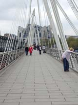 Bridge Over The Thames (102 kbytes) - Click to enlarge