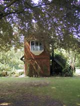 Shakespeare : Shakespeare Institute Garden (223 kbytes) - Click to enlarge
