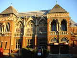 Shakespeare : Stratford Swan Theatre (81 kbytes) - Click to enlarge