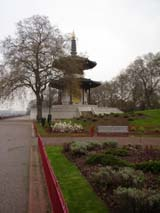 Peace Pagoda in Battersea Park (183 kbytes) - Click to enlarge