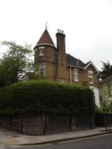 House around Hampstead (98 kbytes) - Click to enlarge